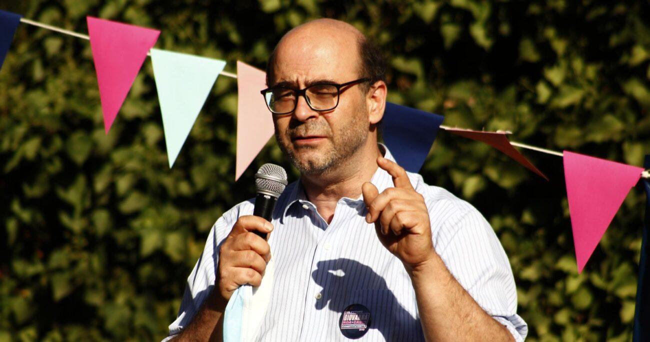 Fernando Atria fue confirmado por el Servel como candidato al distrito 10. Fuente: Agencia Uno.