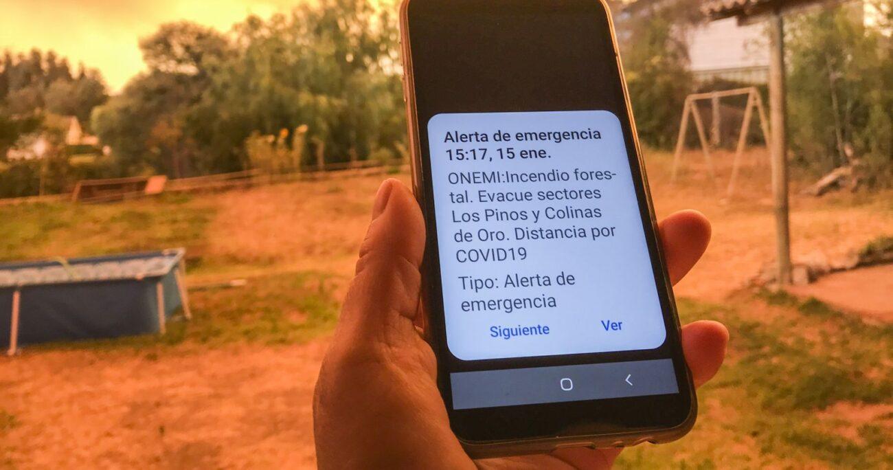 Los vecinos recibieron la orden a través de mensajes de texto. Foto: Agencia Uno.