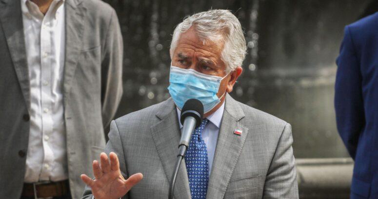 """Ministro Paris: """"Con las cifras alentadoras me refería a la Región Metropolitana, no al país"""""""