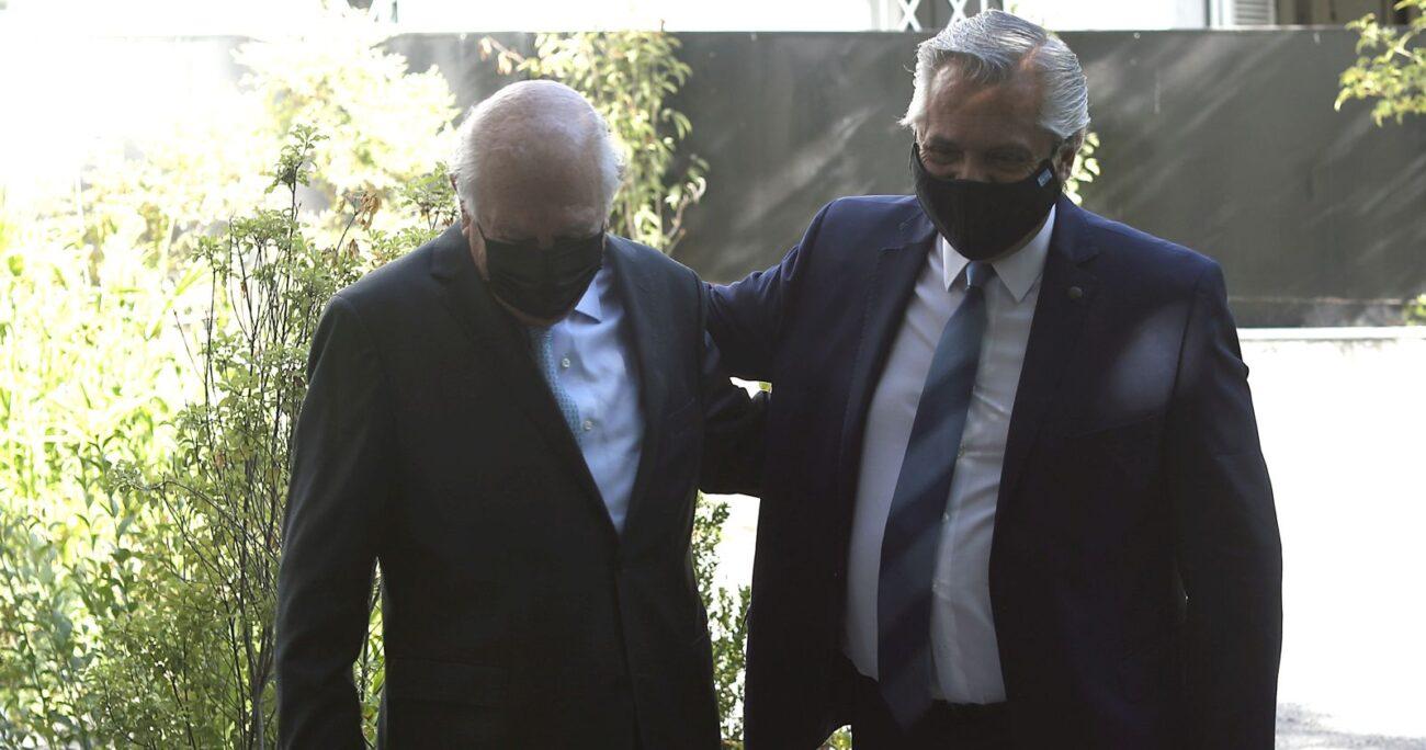 Fernández junto al ex Presidente Lagos. Foto: Agencia Uno.