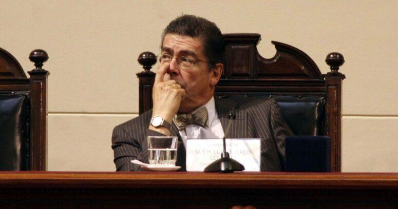 """""""Luis Riveros, ex rector de la U. de Chile:"""