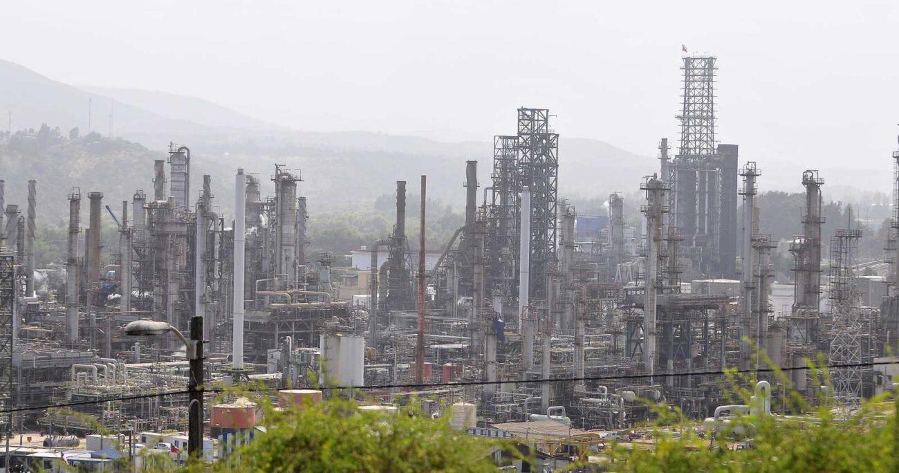 La emergencia ocurrió tras la mantención de una de las refinerías. Fuente: Agencia Uno.