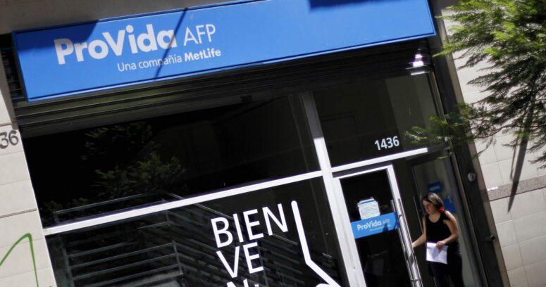 Superintendencia multa con $140 millones a AFP Provida por entrega de pensiones fraudulentas