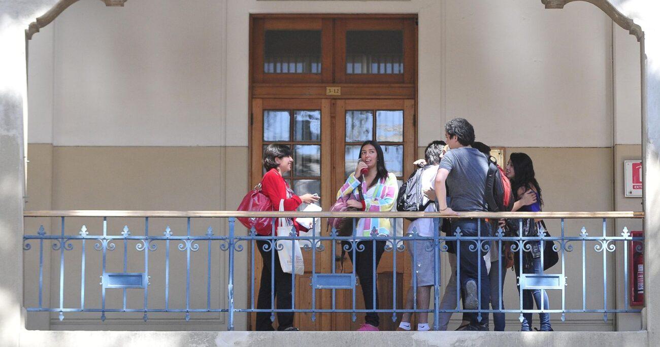 El portal entrega información sobre los diversos parámetros en la calidad de la educación. Foto: Agencia Uno