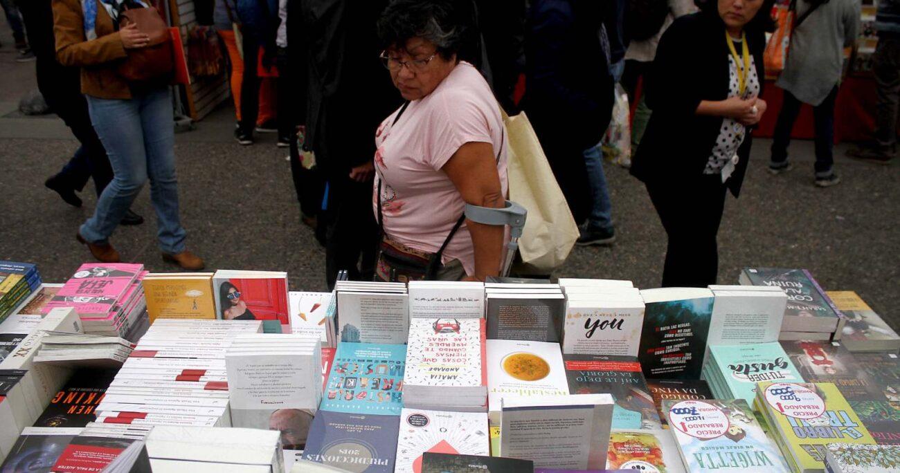 Foto referencial de venta de libros. Fuente: Agencia Uno.