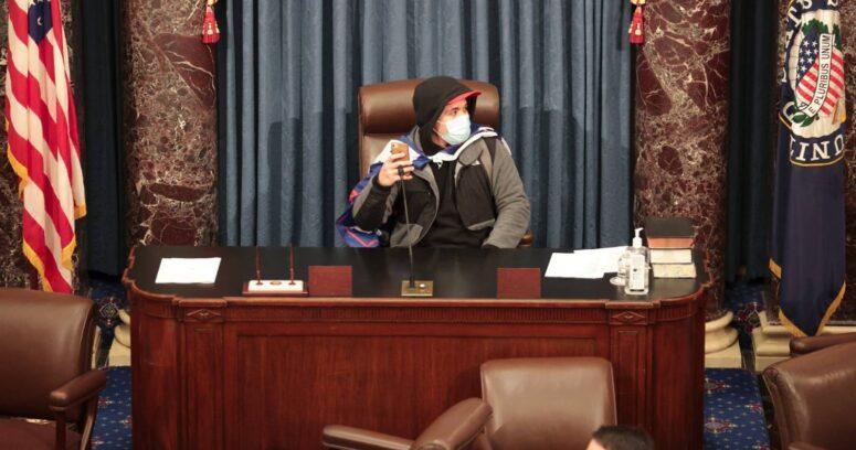Escándalo: partidarios pro Trump se toman el Capitolio en medio de la certificación de la victoria de Joe Biden