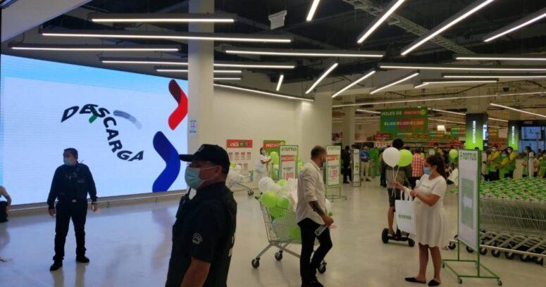 Nuevo Tottus en Mallplaza Oeste abre sus puertas con moderna imagen
