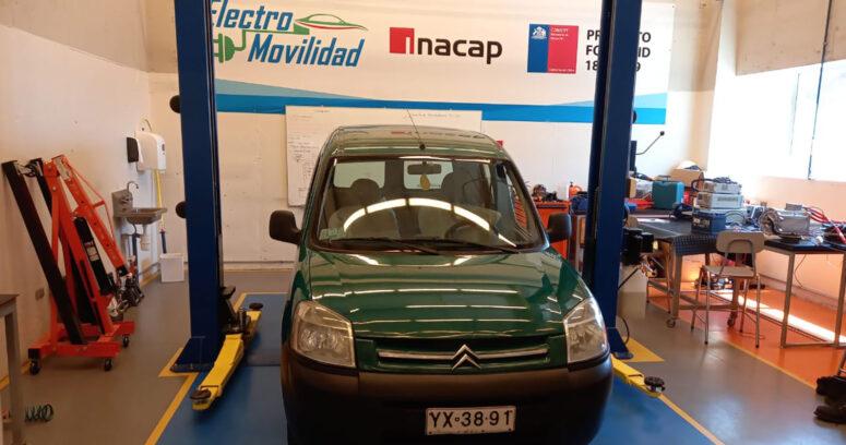 Inacap convierte un auto convencional en uno eléctrico para investigar las rutas óptimas para las baterías