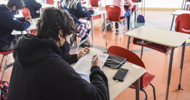 Encuesta Cadem: solo un 9% aprueba el regreso a clases el 1 de marzo
