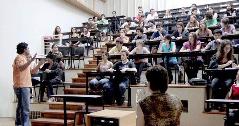 """""""Tres universidades chilenas destacaron en ranking internacional de rendimiento académico"""""""