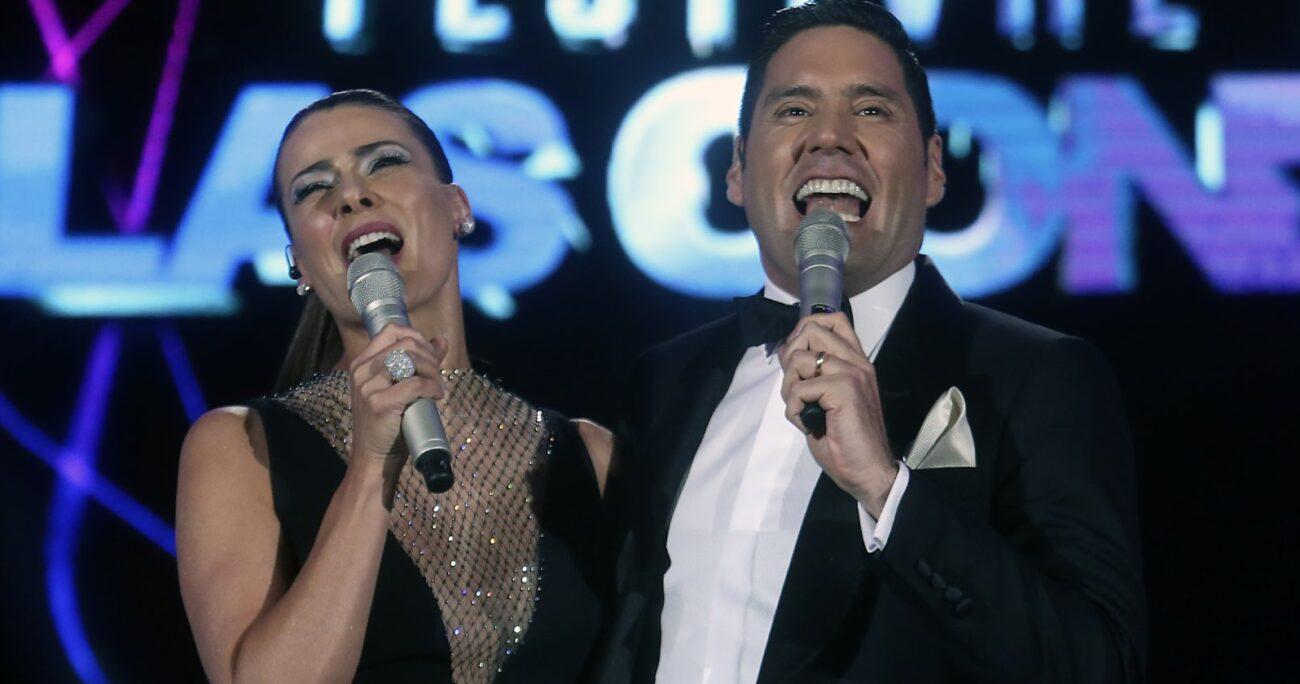 Francisco Saavedra y Tonka Tomicic volverán a ser los animadores del certamen. Foto: Agencia Uno.