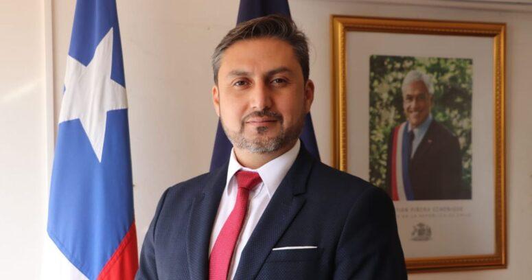 """""""Gobernador de Tamarugal renunció al cargo tras ser acusado de viajar a Miami"""""""