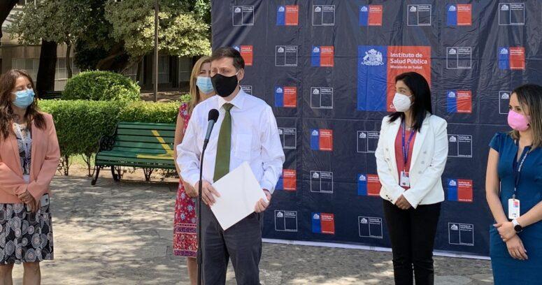 Director del ISP aclaró que vacuna de Sinovac sí llegará a los mayores de 60 años