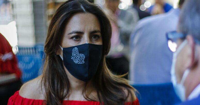 Lucía López salió en defensa de Jorge Baradit por antiguas publicaciones