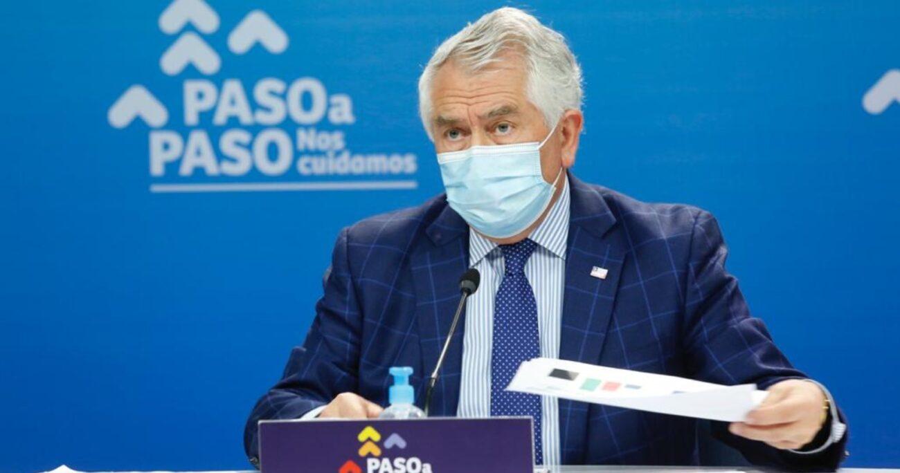 El ministro Enrique Paris durante el balance COVID-19 de este sábado. Foto: Ministerio de Salud.