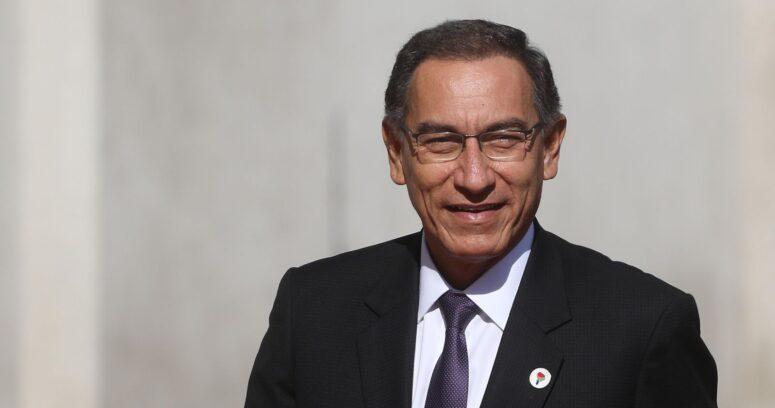 Polémica en Perú: ex presidente Vizcarra se vacunó contra el COVID-19 el año pasado