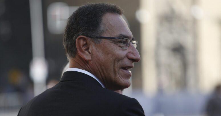 Perú: Martín Vizcarra se disculpa por vacunarse contra el Covid-19