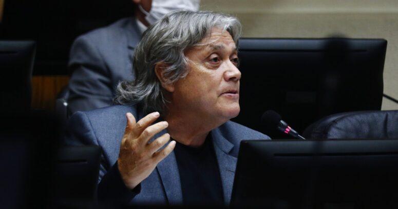 Navarro solicita sesión de Comisión de DD.HH. ante expulsión administrativa de migrantes