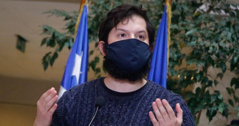 """""""Boric oficiará al Gobierno para revertir límites de vacunación de extranjeros"""""""
