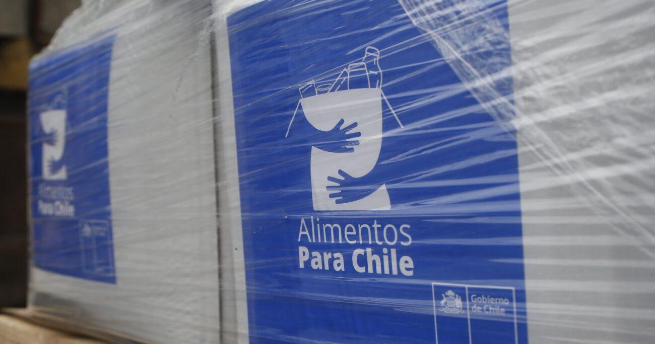 El gasto total llegó a 92 millones de pesos, donde la Región Metropolitana aglutinó el 60,9% de las cajas repartidas. Foto: Agencia UNO/Archivo