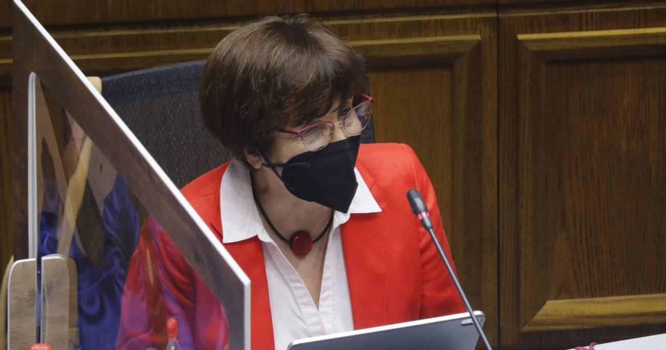 Diputada Carmen Hertz argumentando acusación constitucional contra Víctor Pérez en el Senado en noviembre de 2021. (Agencia UNO/Archivo).