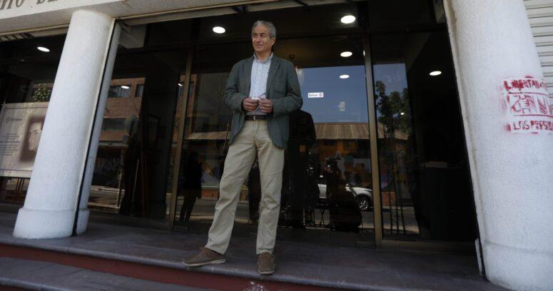 """Mario Aguilar arremete contra Lucas Palacios tras críticas al Colegio de Profesores: """"Lo declaro persona no grata para el profesorado"""""""