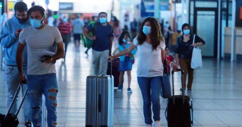 Inglaterra inicia cuarentena obligatoria en hoteles para viajeros de Chile y otros 32 países