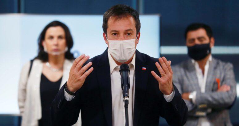"""""""Ministro de Economía arremete contra propuesta de aplazar retorno a clases:"""