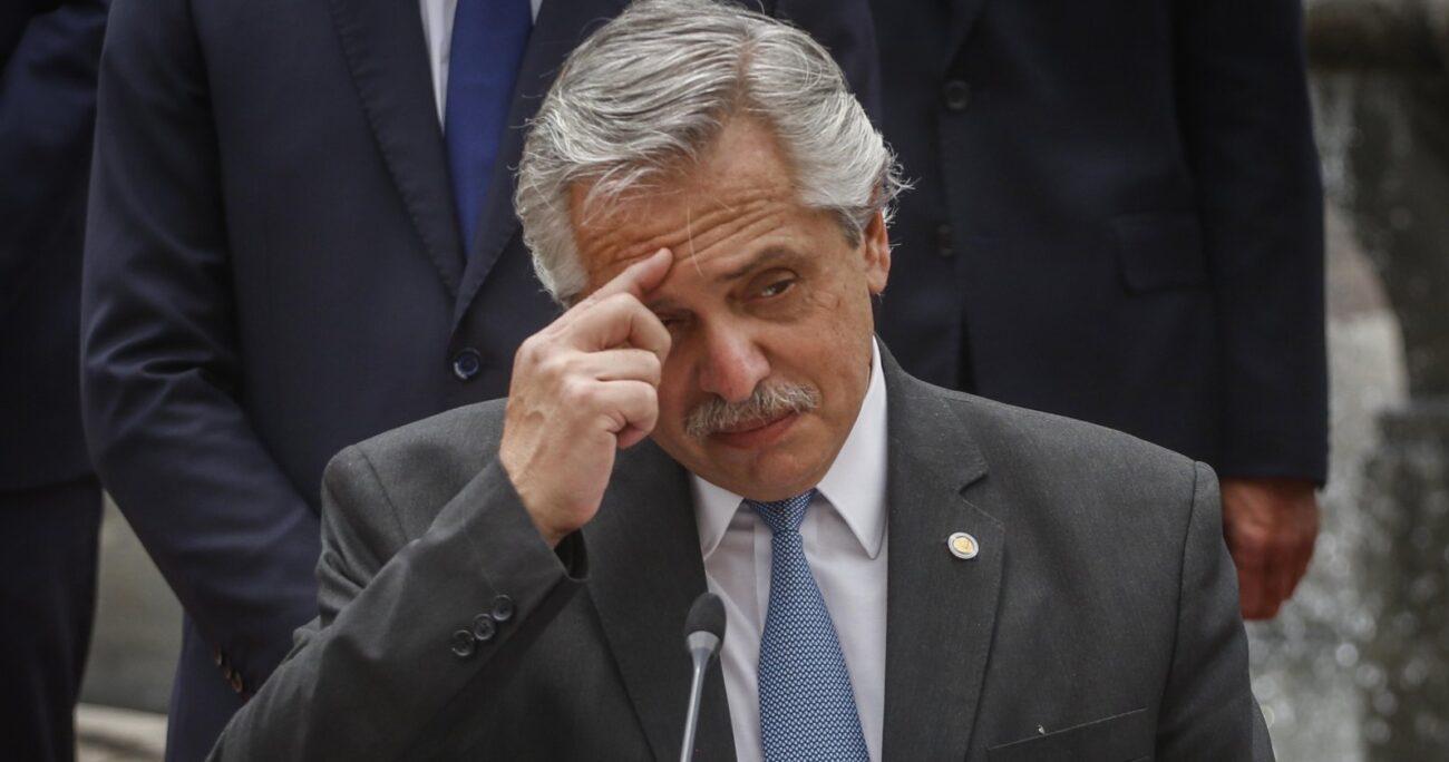 Esto, luego que un periodista reconociera que el ministro González García le consiguió vacunas. Foto: Agencia UNO/Archivo