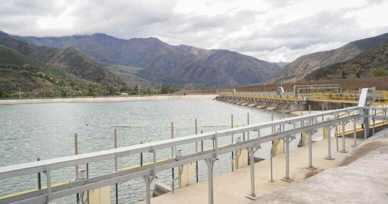 Aguas Andinas baja la Alerta Amarilla tras recuperar el 50% de las reservas de su infraestructura de respaldo