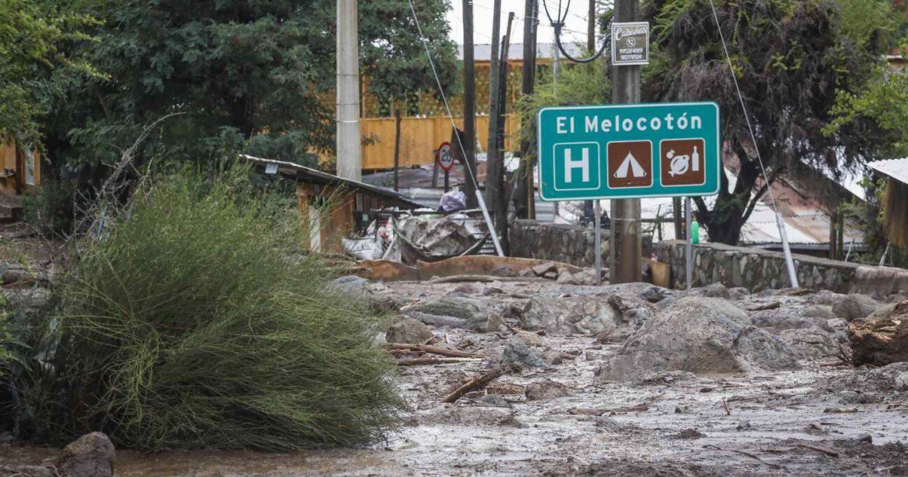 Lluvias en el sector del Cajón del Maipo. Foto: Agencia Uno.