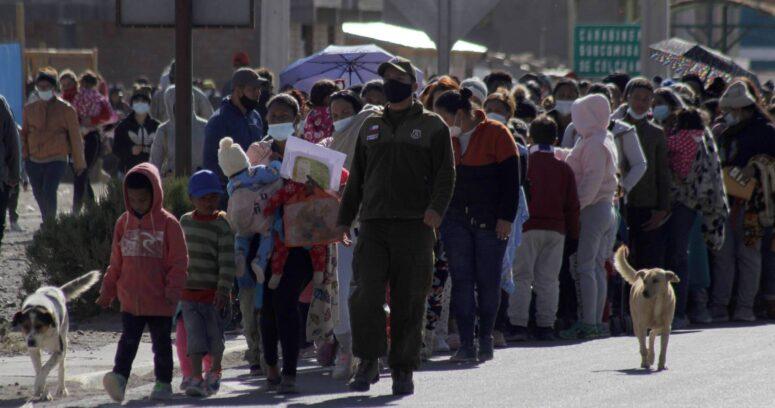 Olas en el desierto: migrantes y refugiados en las fronteras
