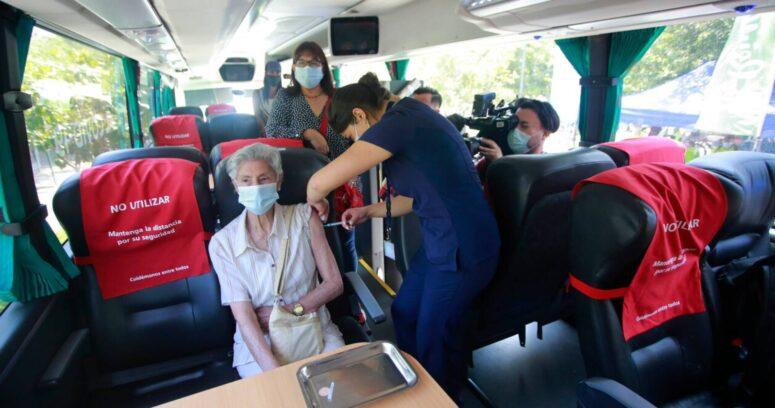 """""""Turismo médico"""": televisión peruana promociona viajes a Chile para vacunarse contra el coronavirus"""