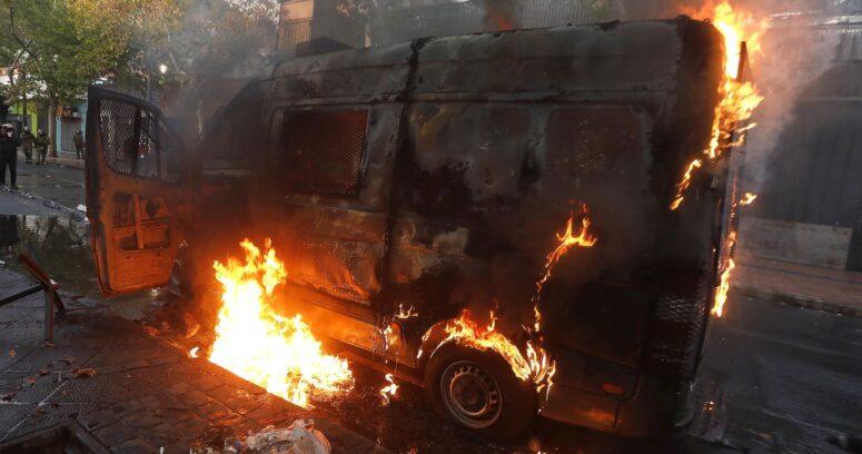 """Galli tras ataque a furgón policial: """"Quienes llaman a quemar todo, deben hacerse responsables"""""""