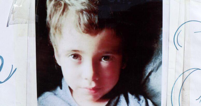Madre de Tomás Bravo anuncia querella contra vidente que la vinculó con su desaparición