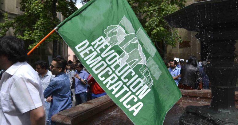 """""""Militante RD invoca Ley Zamudio por no poder participar en elección para reemplazar a Renato Garín"""""""
