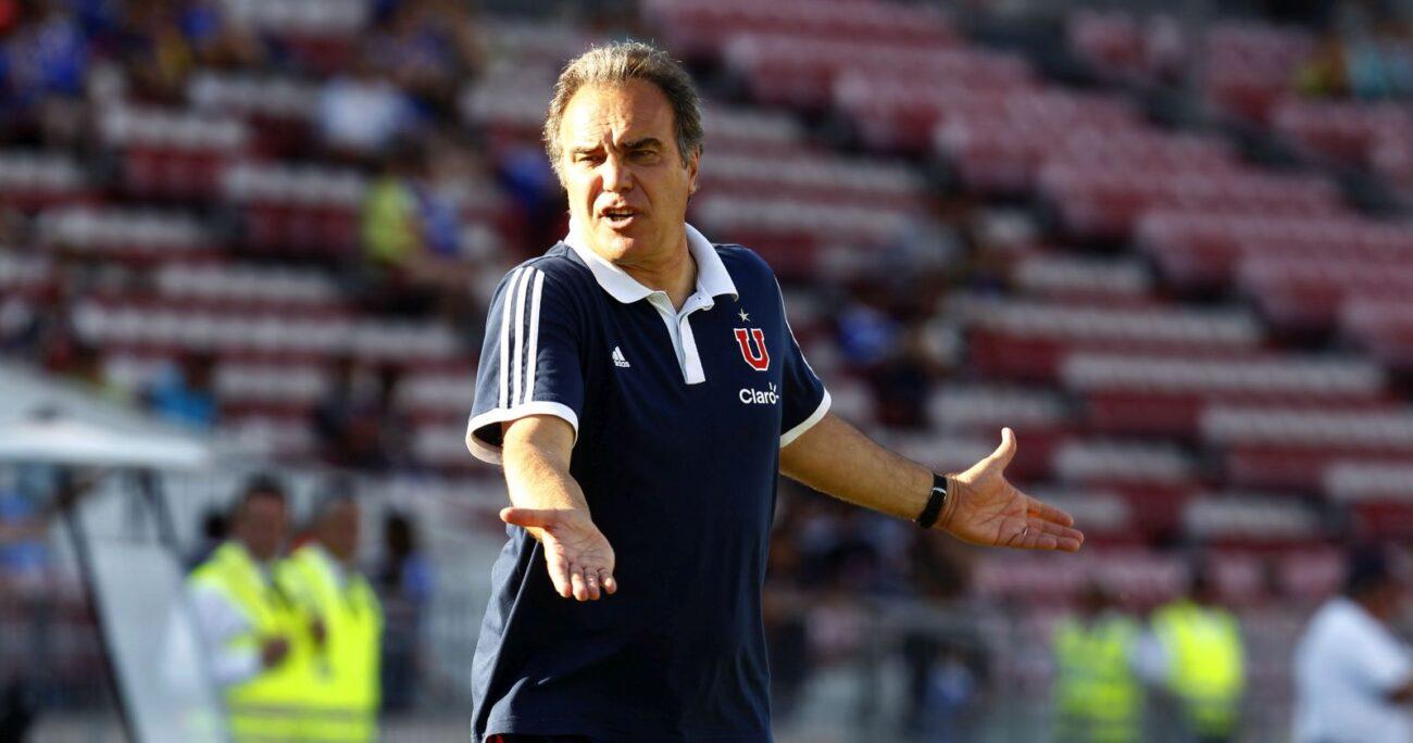 Lasarte mientras era entrenador de Universidad de Chile. Foto: Agencia Uno