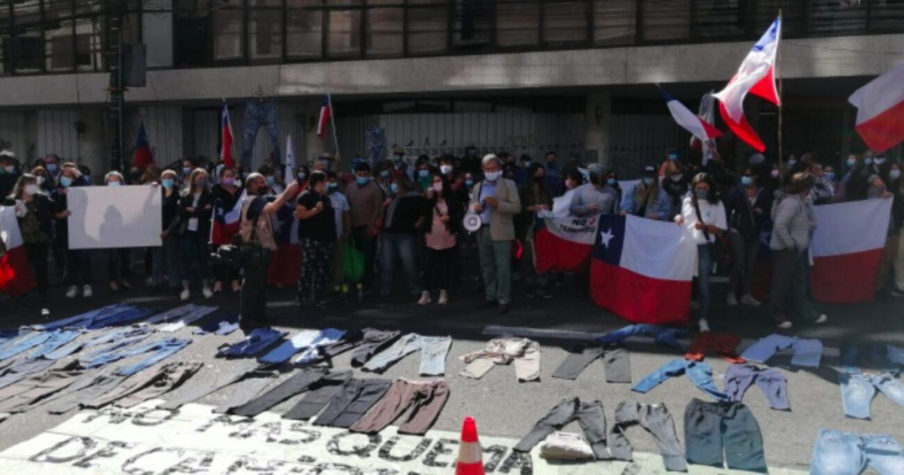 En La Araucanía se enfrentaron agricultores y comuneros mapuches durante la protesta. (Twitter @aprachile).