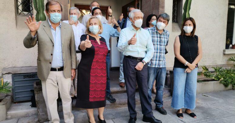 Con Helia Molina y Francisco Vidal: Heraldo Muñoz presenta a su equipo de campaña presidencial