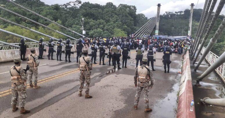 """""""Perú despliega militares en su frontera para impedir el ingreso de migrantes haitianos desde Brasil"""""""