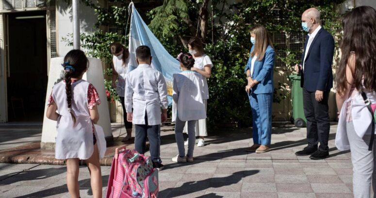 Más de 300 mil alumnos volvieron aclases presenciales en Buenos Aires