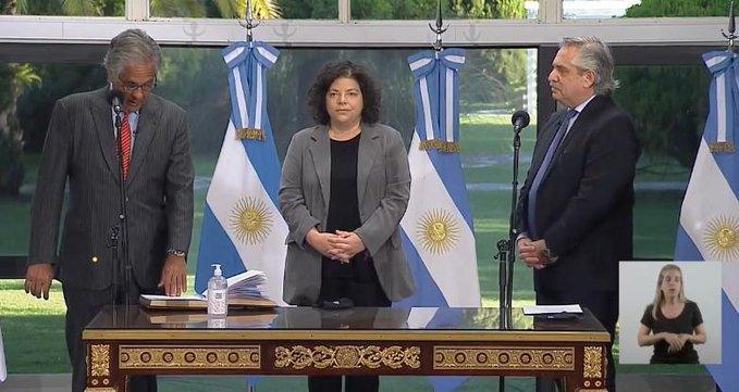 Recién asumida ministra de Salud argentina anuncia que dio positivo por COVID-19