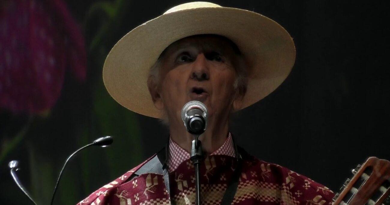Mackenna estuvo 60 años a la cabeza de Los Huasos Quincheros. (Captura de pantalla/YouTube).