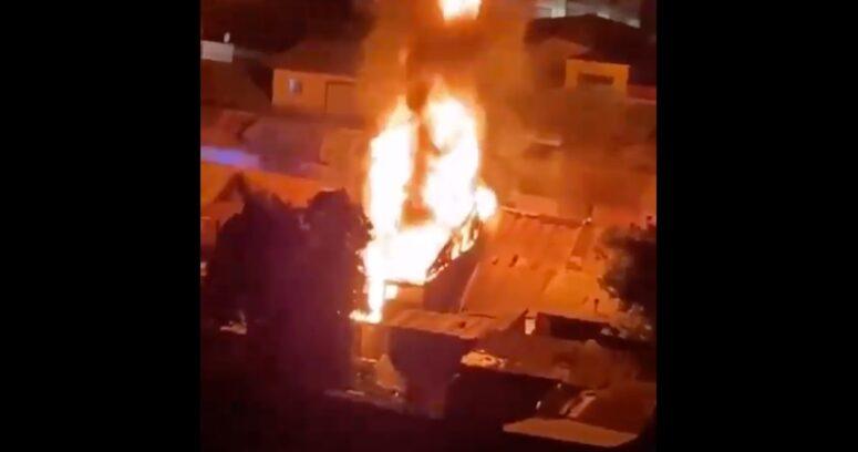 Fiesta clandestina en Independencia terminó en el incendio de cuatro casas