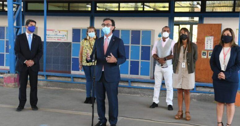 Mineduc supervisa protocolos en establecimientos educacionales para inicio del año escolar
