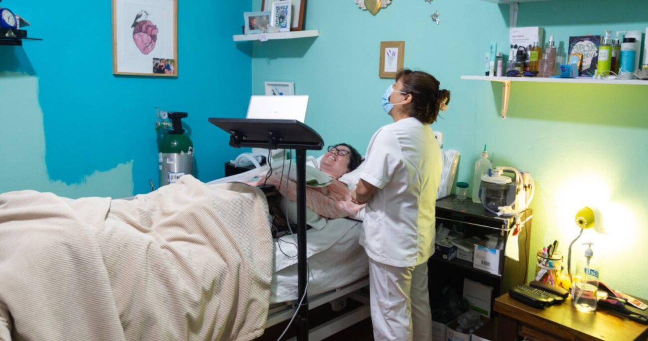 Ana Estrada, de 43 años, padece una enfermedad degenerativa desde hace tres décadas. (Foto: Blog de Ana)