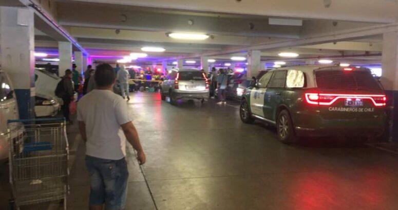 Fiscalía Oriente investiga femicidio en La Florida: mujer fue apuñalada en estacionamiento de supermercado