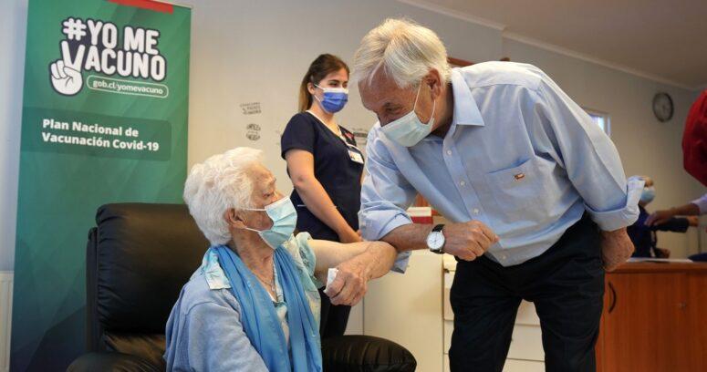 """Piñera celebró el inicio de la vacunación pero advirtió que """"la pandemia no ha terminado"""""""