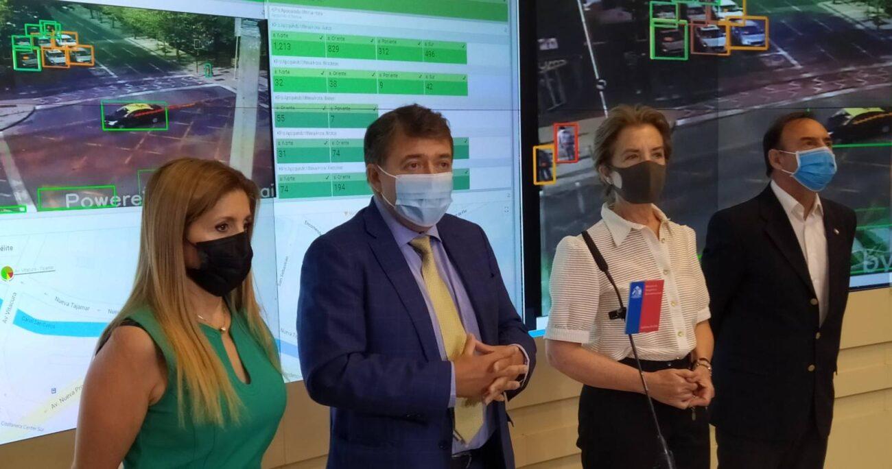 Autoridades en medio del lanzamiento de este piloto que conjuga la nueva red experimental 5G, Inteligencia Artificial y Edge Computing (Entel)