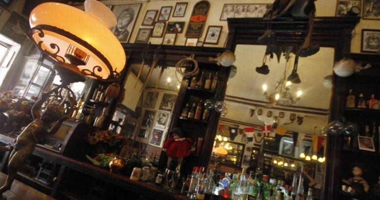 Valparaíso: Bar La Playa anuncia el cierre de sus puertas después de 113 años